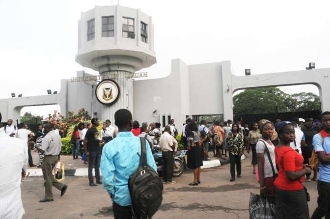 UNIBADAN STUDENTS PROTEST OVER LACK OF WATER AND POWER